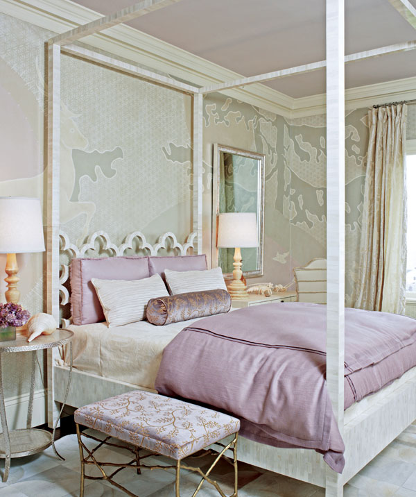 Classic Style: Purple and lovely Lavender living