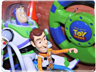 Buzzz, Woody