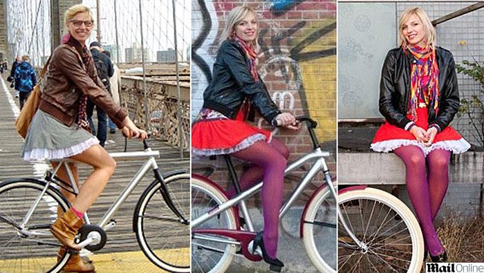 Andando De Bicicleta Uma Saia Curta Sem Calcinha E A Ota Fora