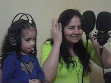 Eliane Moraes e Evelllyn Moraes em estúdio