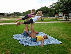 taller acro yoga padres y niños sábado, 28 de junio a la 18:30