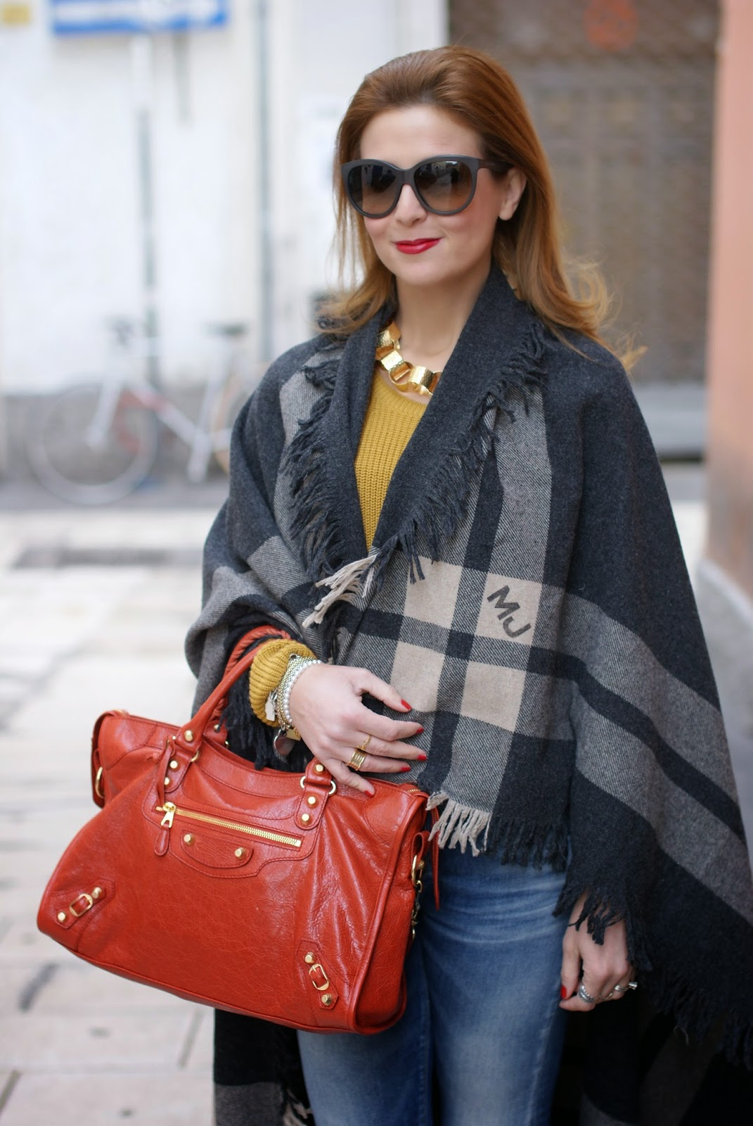 Blanket cape trend with a Marc by Marc Jacobs maxi wrap, Vitti Ferria Contin necklace and Chanel inspired brooch on Fashion and Cookies fashion blog