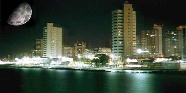 Luar sobre Fortaleza