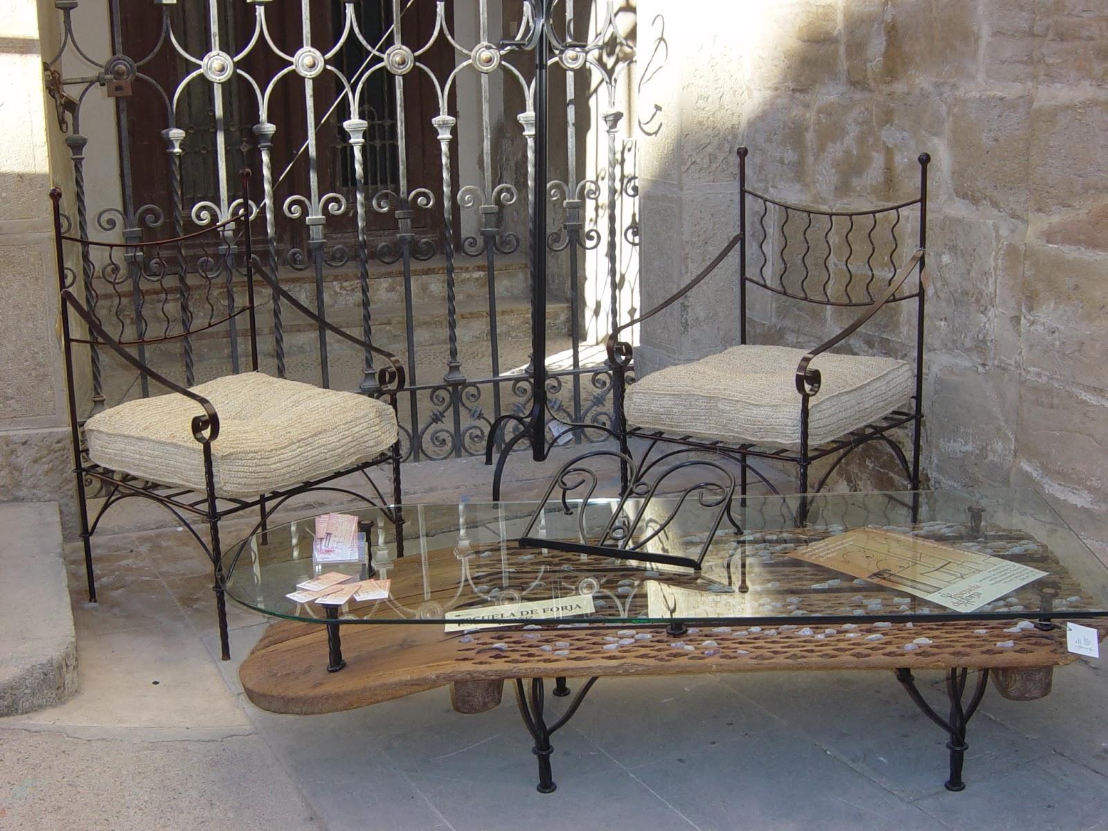 Trofeos de forja regalos eventos mesa trillo puertas for Mesas hechas con puertas antiguas