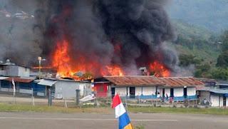 Tolikara tragedi  masjid di bakar