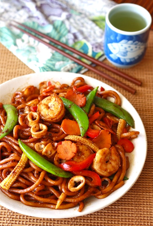 Stir-Fried Black Pepper Udon Noodles by Season with Spice