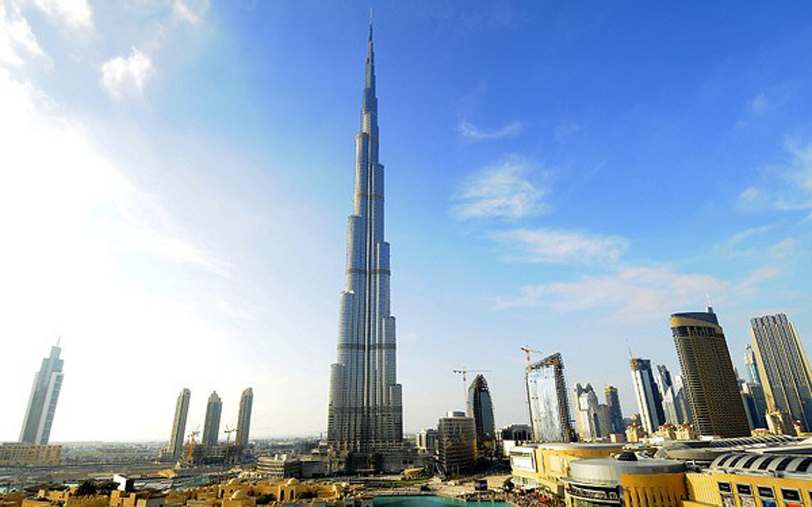 2013 wallpapers world largest tower downtown burj dubai for The largest hotel in dubai