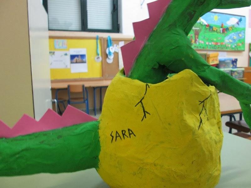 Aventura: Manualidades. Hacer dinosaurio con materiales reciclados