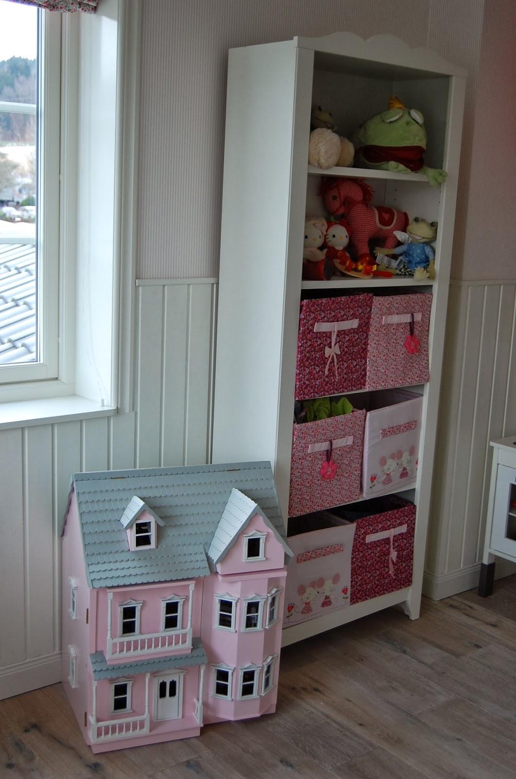 villajenal kinderzimmer nummer 2. Black Bedroom Furniture Sets. Home Design Ideas
