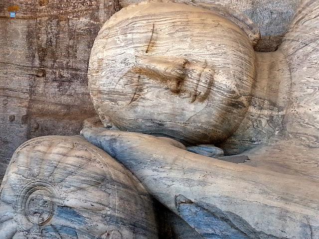 Buda de Gal Vihara de Libreta Viajera