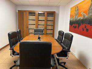 Sala de reuniones de González Torres Abogados