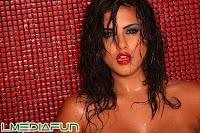 Sunny Leone Naked & Wet