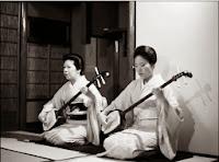 http://ionbogdanstefanescu.ro/caracteristicile-muzicii-traditionale-japoneze/