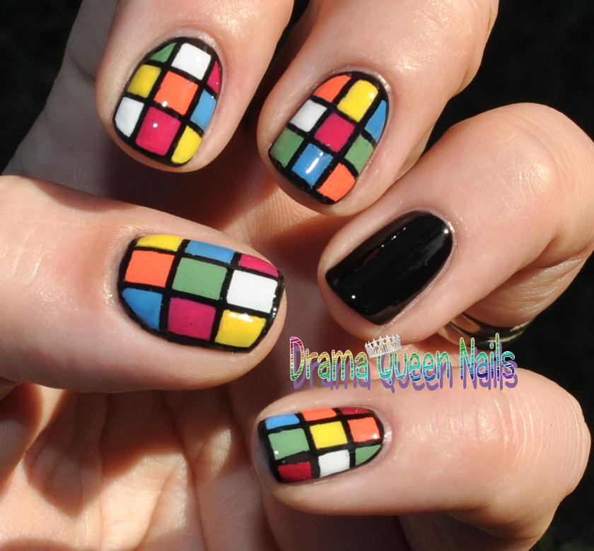 Drama Queen Nails: Puzzle your friends with your amazing nails