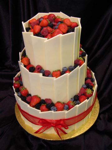 Cake Decorating Heidelberg : Coyea s blog: Dark chocolate wedding cake over three tiers ...