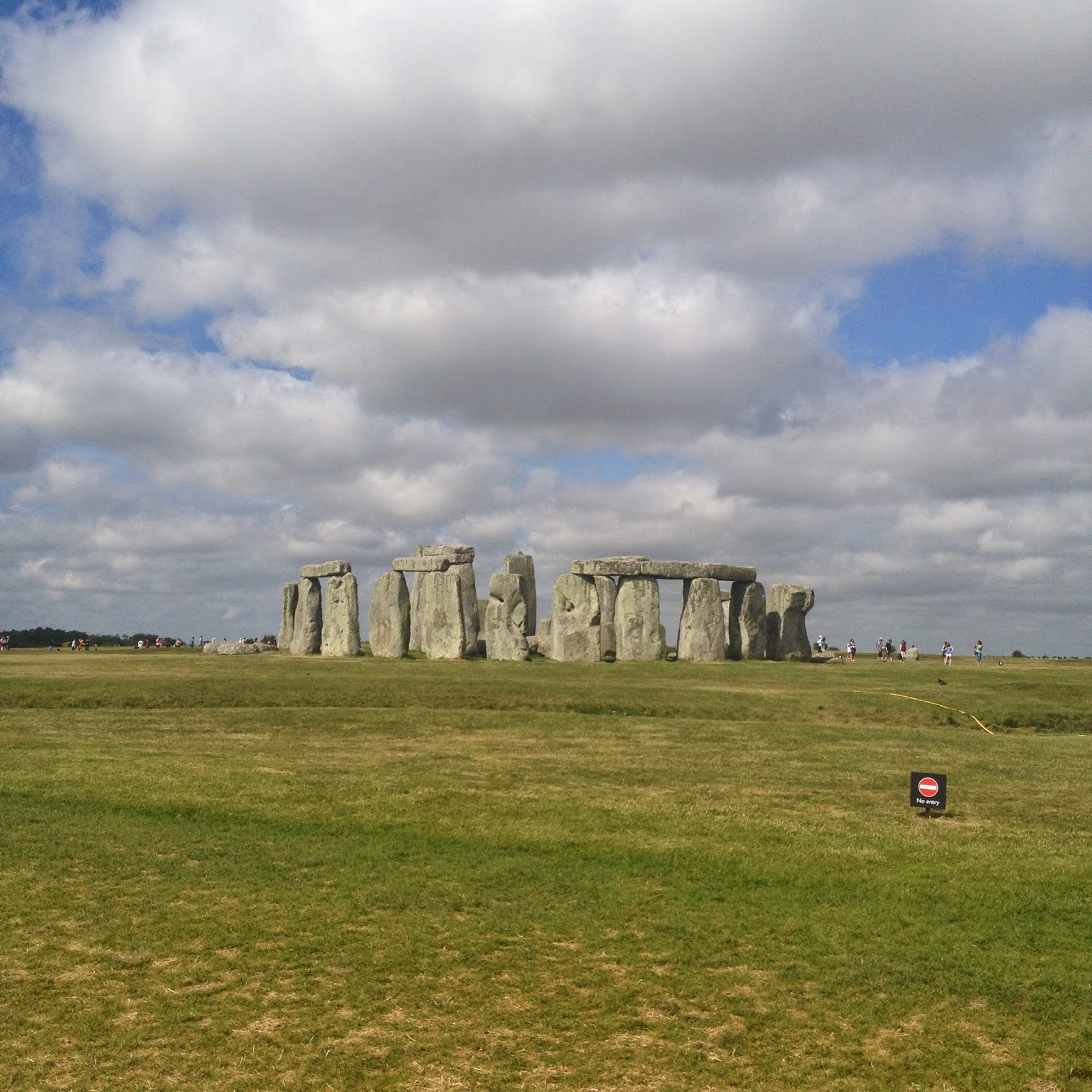 Stonehenge  (photo credit: http://researchandramblings.blogspot.com/)
