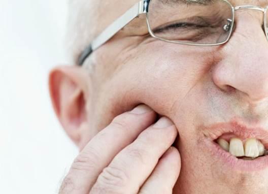 Cara tepat mengatasi sakit gigi