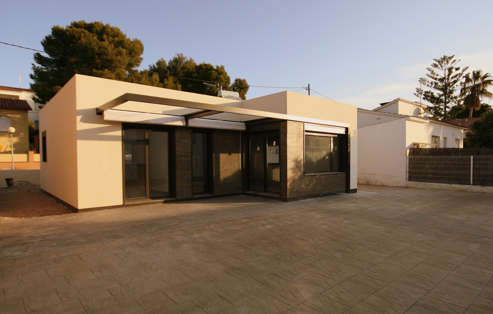 Casas modulares blochouse finalizadas las obras en for Casas prefabricadas minimalistas