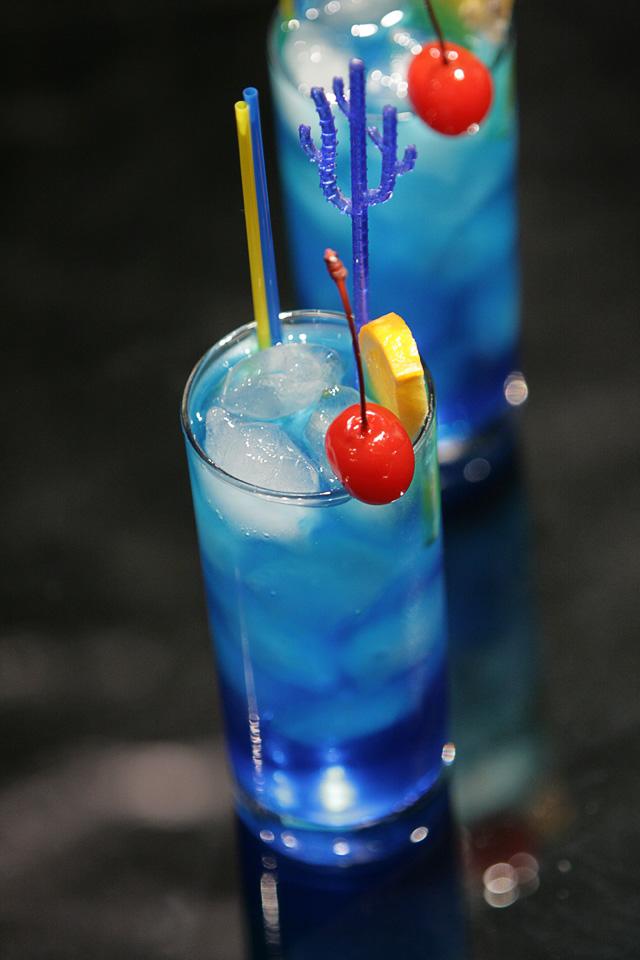 Aprenda a fazer 5 drinks famosos para sua festa amando for Cocktail 3 couleurs