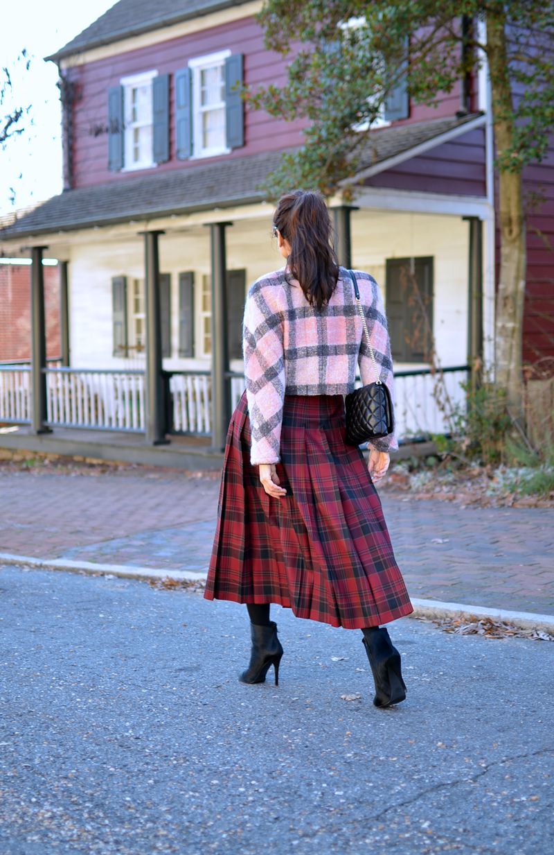Outfit with mixed plaids