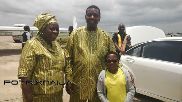 Nollywood Actor Aki Poses With Pastor Adeboye Amp Wife  This Is Kiyo And