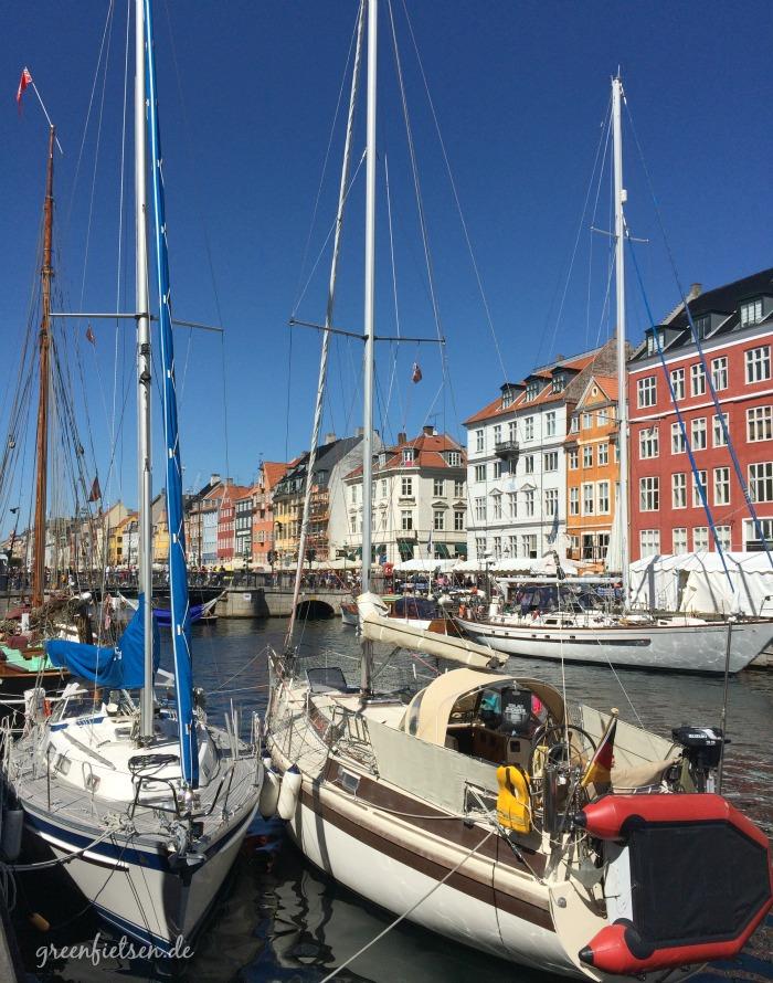 Von vielen Touristen besucht: Nyhavn in Kopenhagen