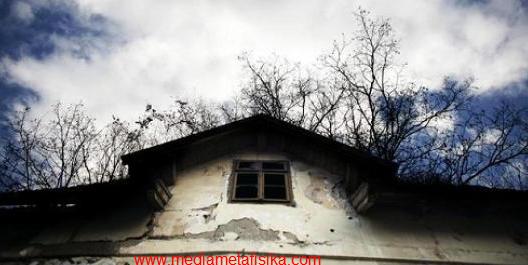 tempat tinggal komunitas jin