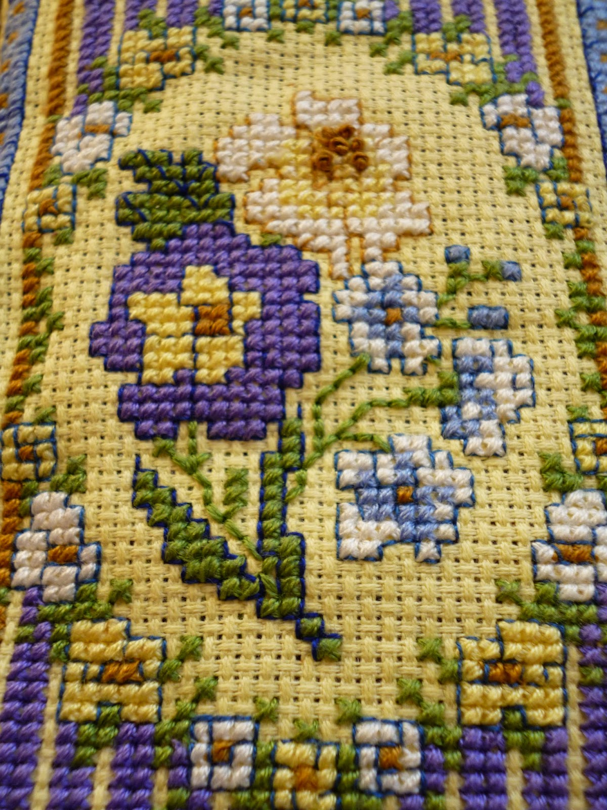 Georgian stripe flower design Cross-Stitch