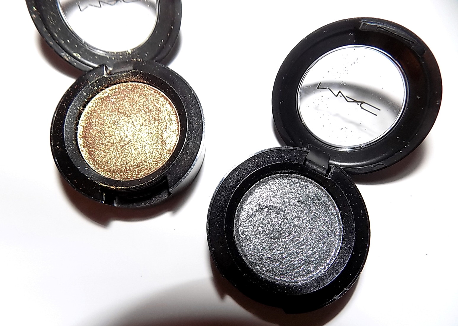 The beauty alchemist mac dazzle eyeshadow le disko mac dazzle eyeshadow le disko thecheapjerseys Image collections