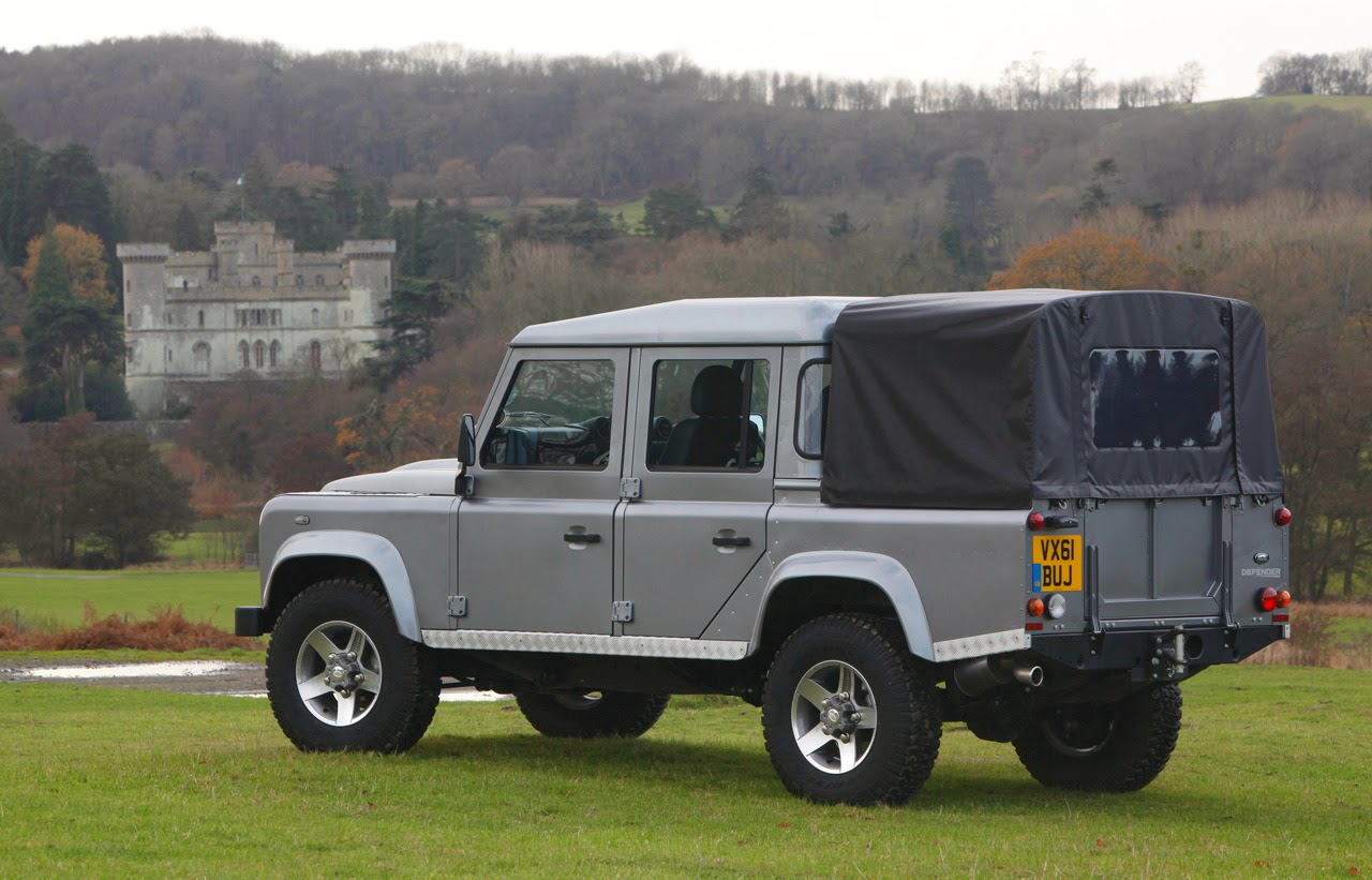 automotiveblogz 2012 land rover defender 110 double cab. Black Bedroom Furniture Sets. Home Design Ideas