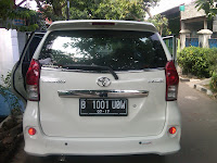mobil Avanza B 1001 UOW Kupang
