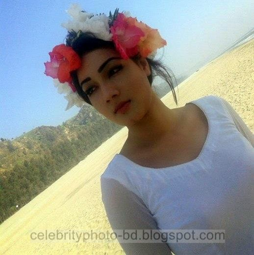Mahiya+Mahi+and+Bappy+Chowdhury's+Some+Romantice+Hot+Photos+Latest+Collection+From+Bangla+Movie+Honeymoon+(2014)004