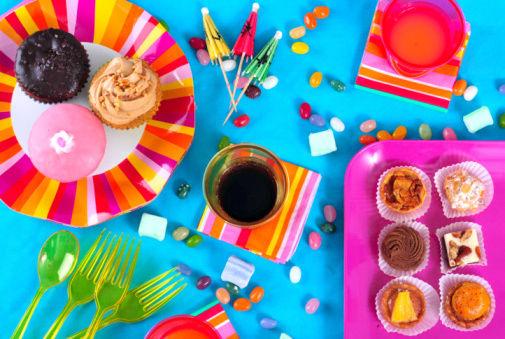 Sette semplici idee per arricchire la tavola di carnevale ricetta ed ingredienti dei - Decorare la tavola per carnevale ...