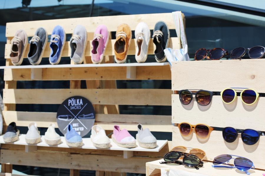 Zapatillas y gafas