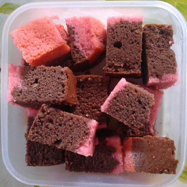 kek coklat stroberi