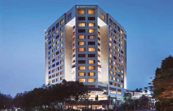 Hyatt Regency Bandung - tampak depan