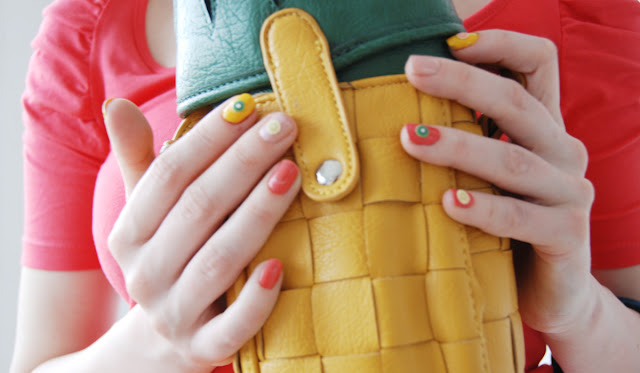 pineapple handbag, asos, fruits in fashion, fruity fingernails