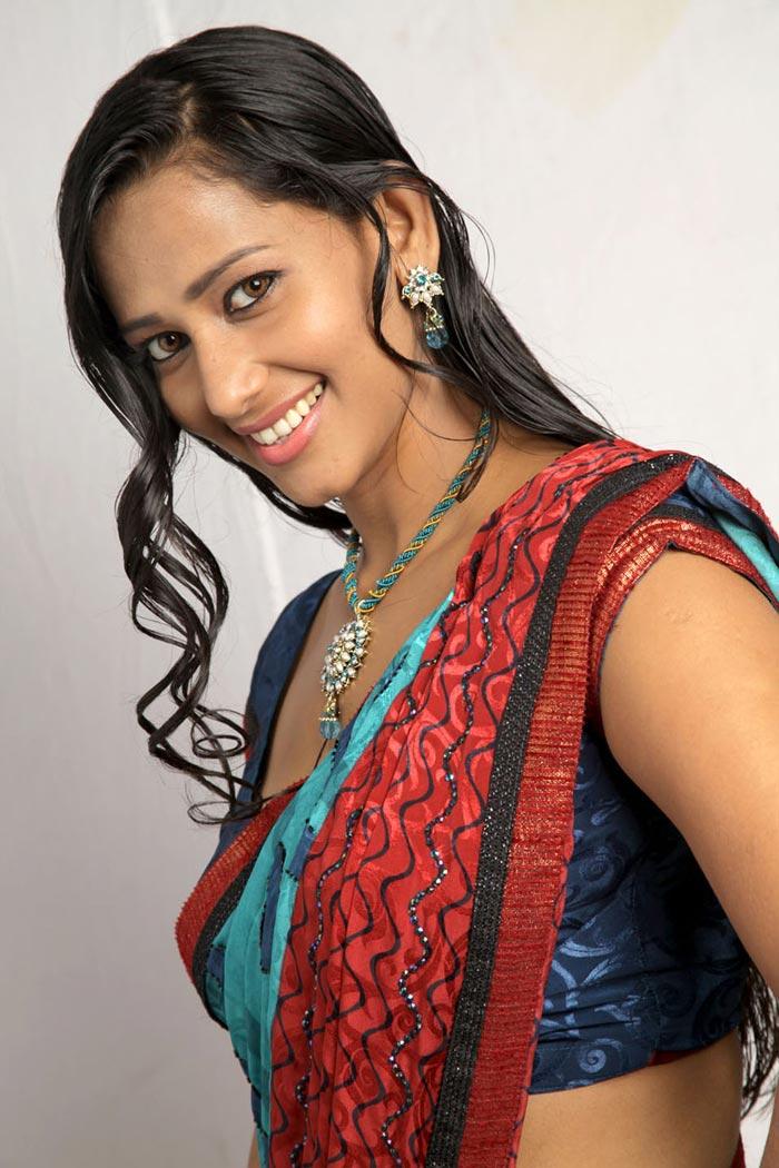 Sanjana Singh Photos