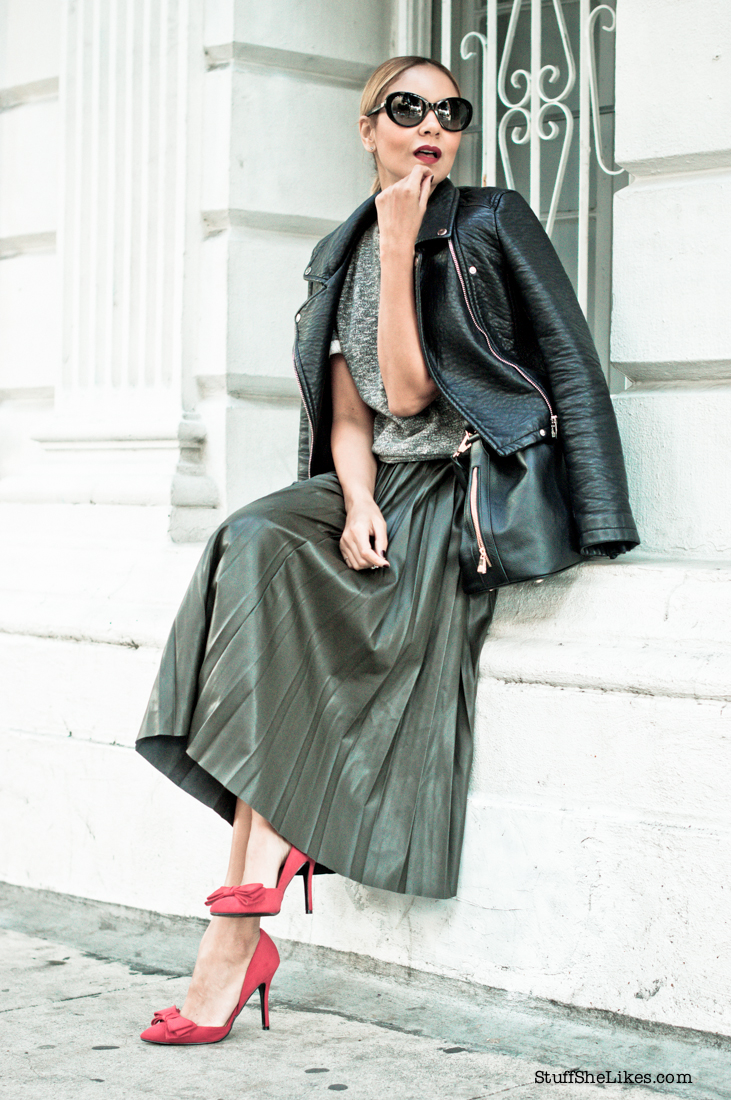 faux leather jacket, pleated skirt, Blogger, Fashion Blogger, Los Angeles fashion blogger, Best fashion blogger, top fashion bloggers, top ten fashion bloggers, zara faux leather skirt, just fab red shoes,