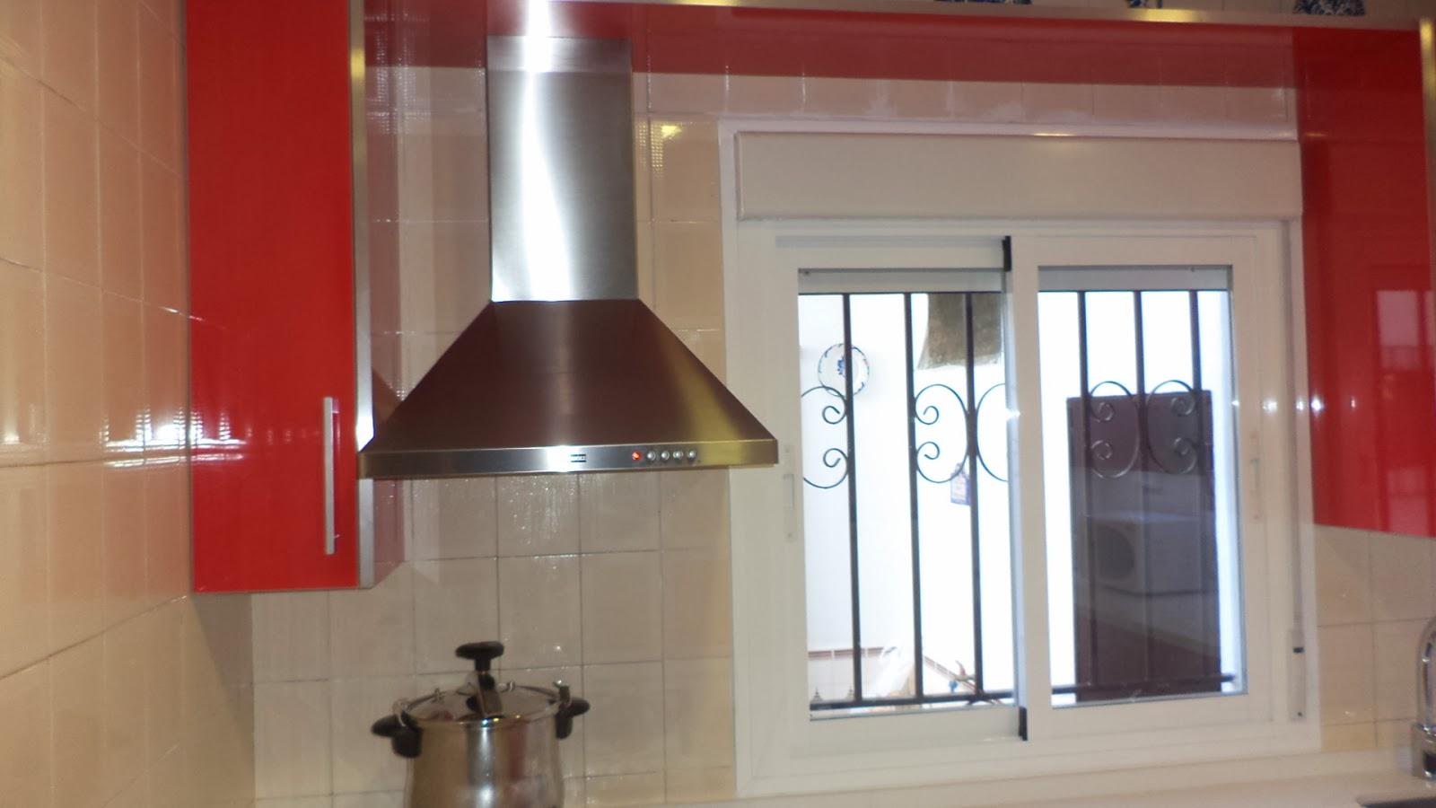 Muebles sevilla barbero 8 cocina en formica roja y for Muebles de cocina sevilla