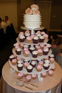 100 cupcake tree with fondant frill cake