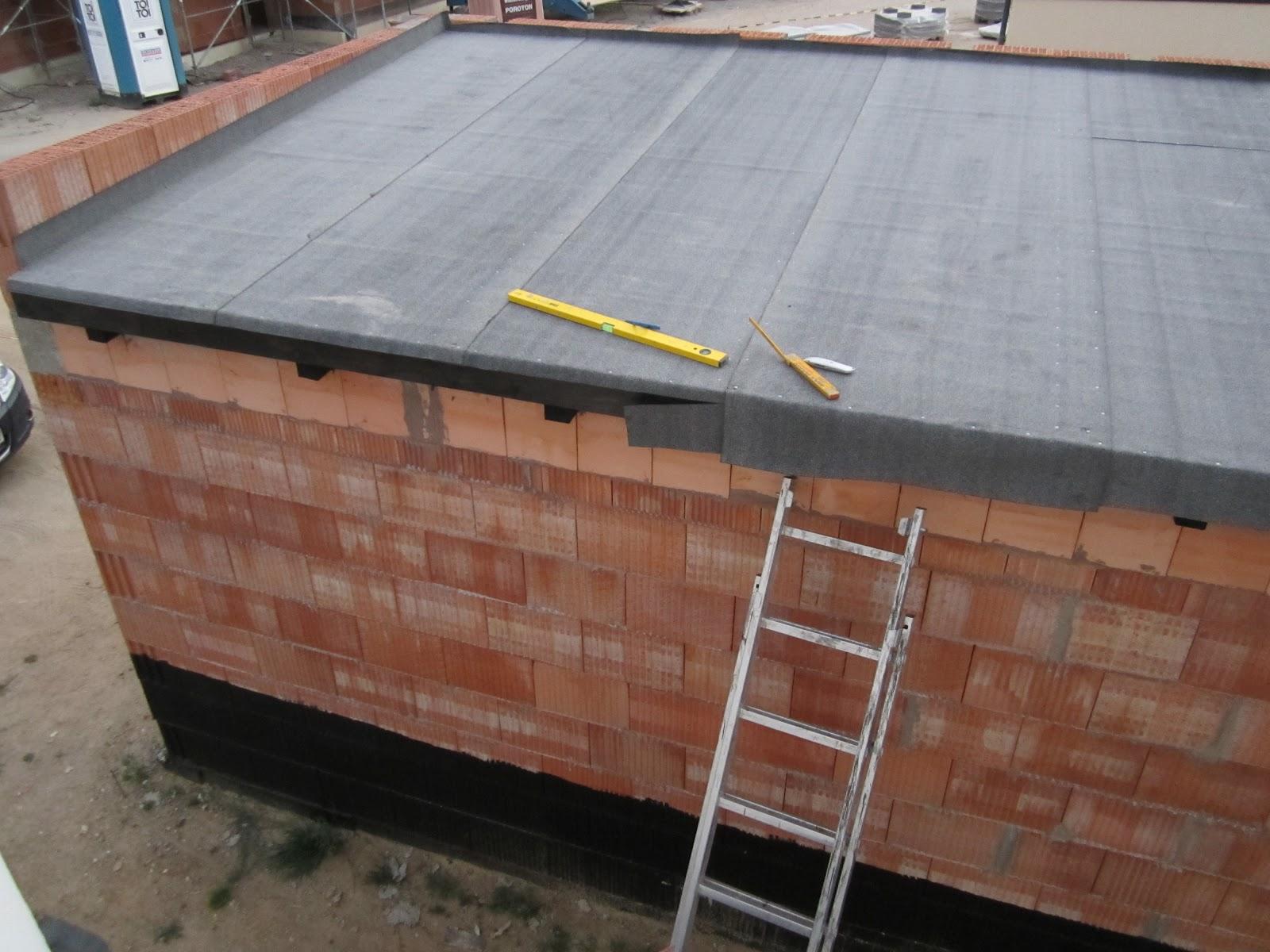 unser hausbau garage in eigenleistung dachpappe angenagelt. Black Bedroom Furniture Sets. Home Design Ideas
