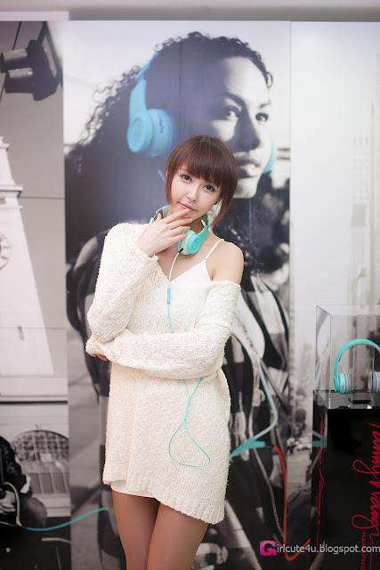 3 Kang Yui for Fanny Wang Headphone-very cute asian girl-girlcute4u.blogspot.com