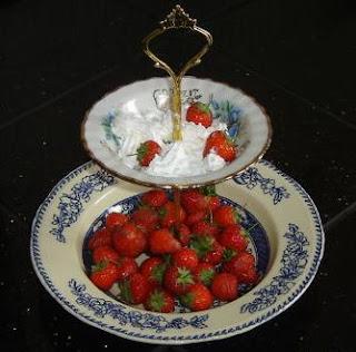 Strawberries and cream Cake stand