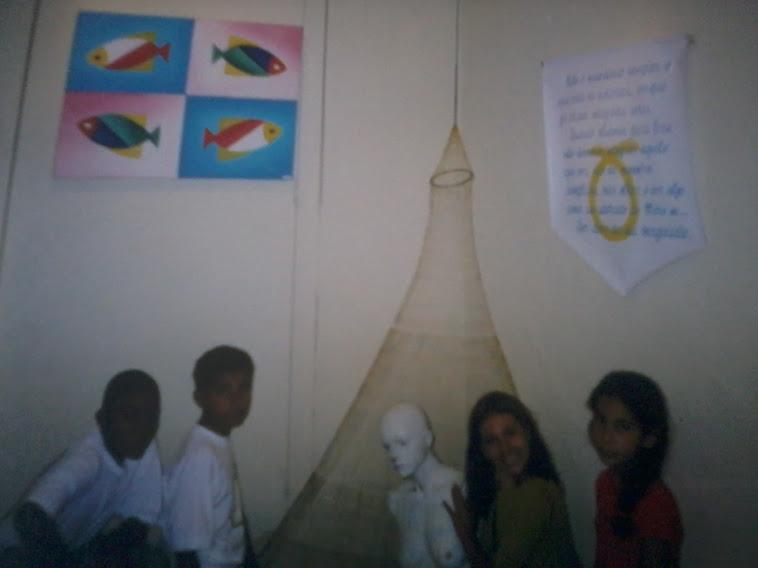 Crianças interagindo nas minha artes