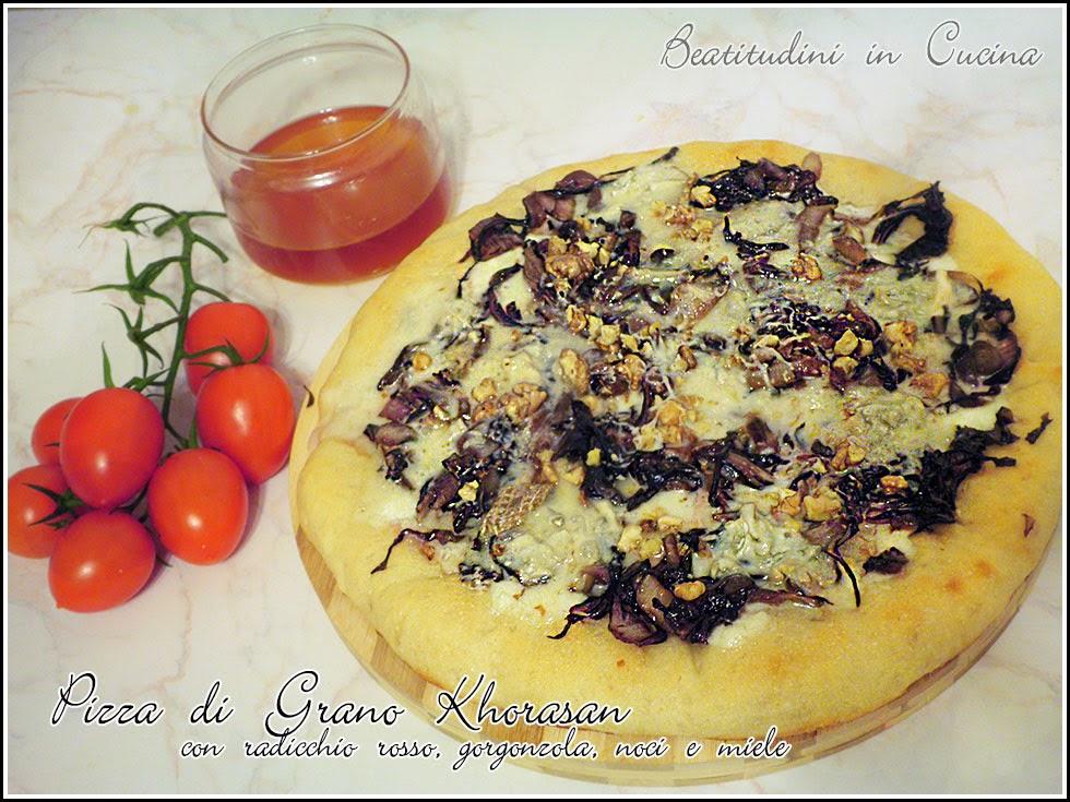pizza con radicchio rosso, gorgonzola, noci e miele
