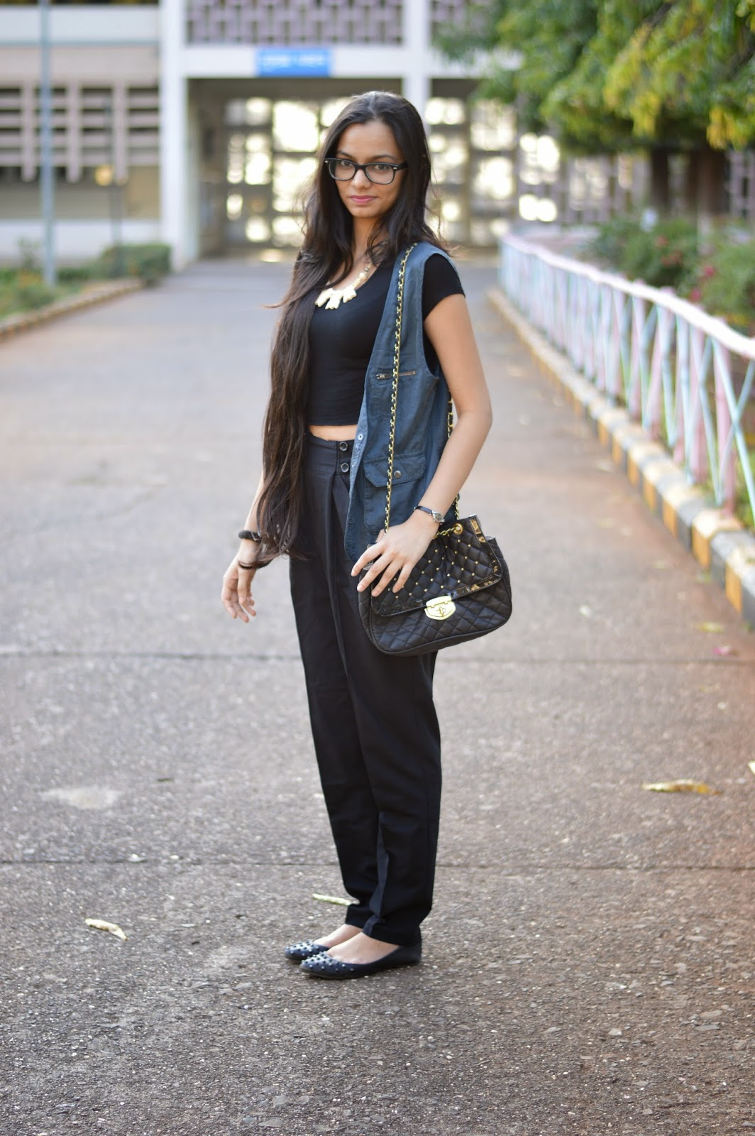 how to wear high waist pants, what to wear to work, asos, online shopping, marks and spencers vest, mumbai street shopping, indan fashion blogger, mumbai streetstyle, how to wear high waisted pants and crop tops, how to style crop tops