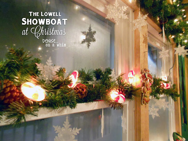 Beautiful decorations on the Lowell Showboat at Christmas via http://deniseonawhim.blogspot.com