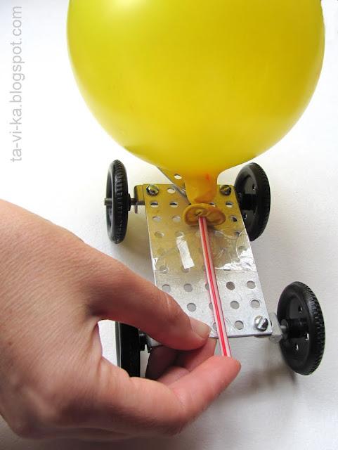 машинка с двигателем на воздушном шарике