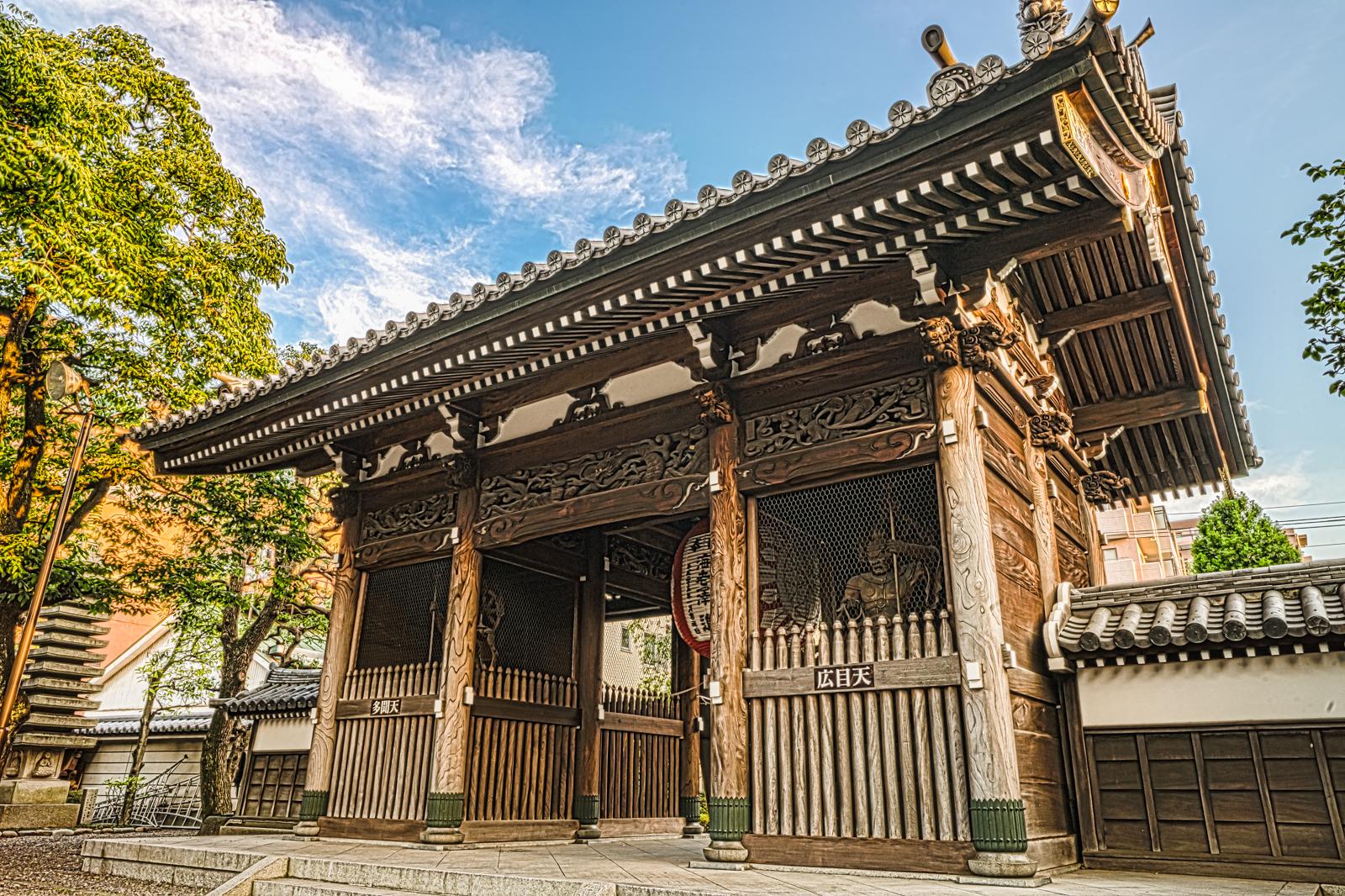 新東京百景 田無山、総持寺の仁王門境内側の写真